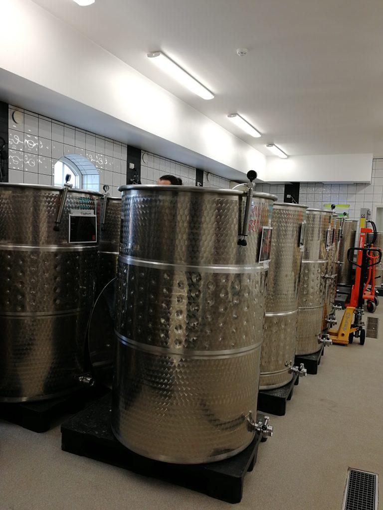hot sale online 3eadc 0e329 Flädie vinproduktion (där vi tillverkar våra viner) håller på att bygga ut  och det är min fulla övertygelse om att detta kommer att underlätta i  framtiden, ...